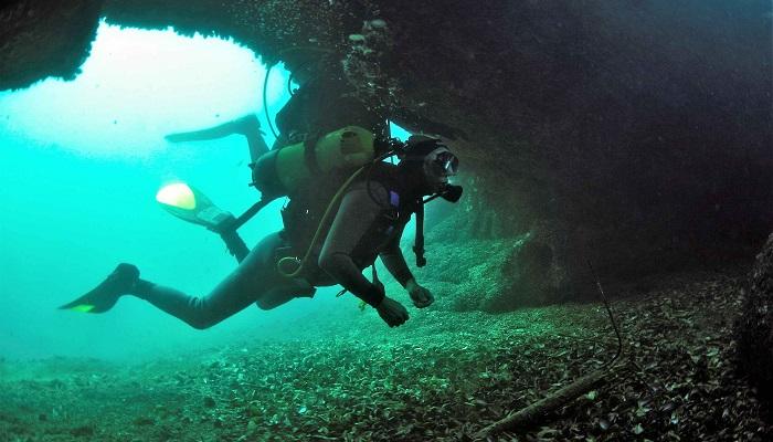 Дайвинг пещера Дракона Севастополь