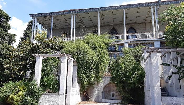 Фото дворец графини Паниной в Крыму терраса