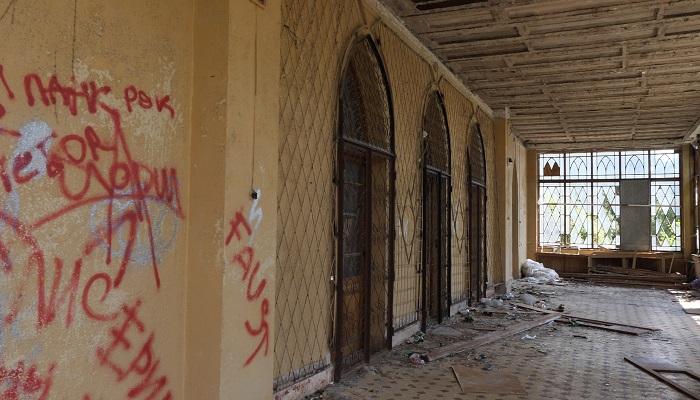Фото дворец графини Паниной в Крыму мародеры