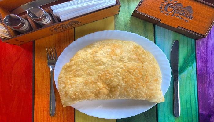 Самые вкусные чебуреки в кафе Севастополя