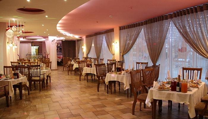 Ресторан Лидия на набережной Феодосии