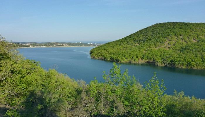 Изобильненское водохранилище близ Алушты