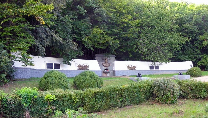 Фото Мемориал Кутузовский фонтан в Крыму