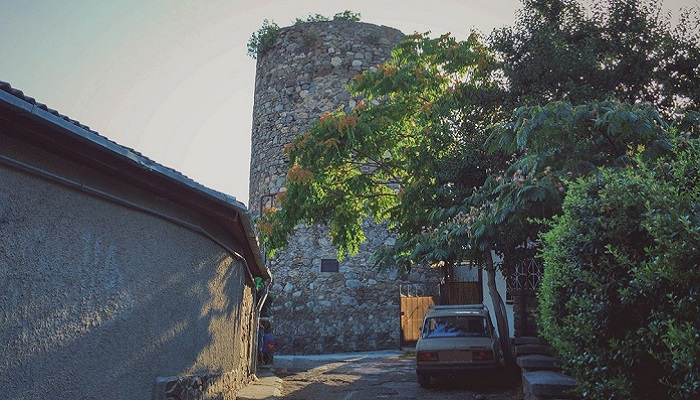 Фото Нижняя башня Ашага-Куле