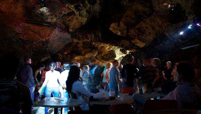 Ночной клуб в Алуште