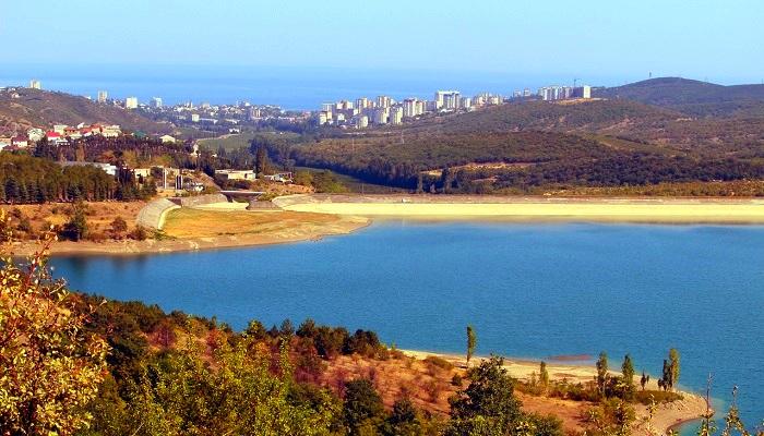 Плотина Изобильненское водохранилище Алушта