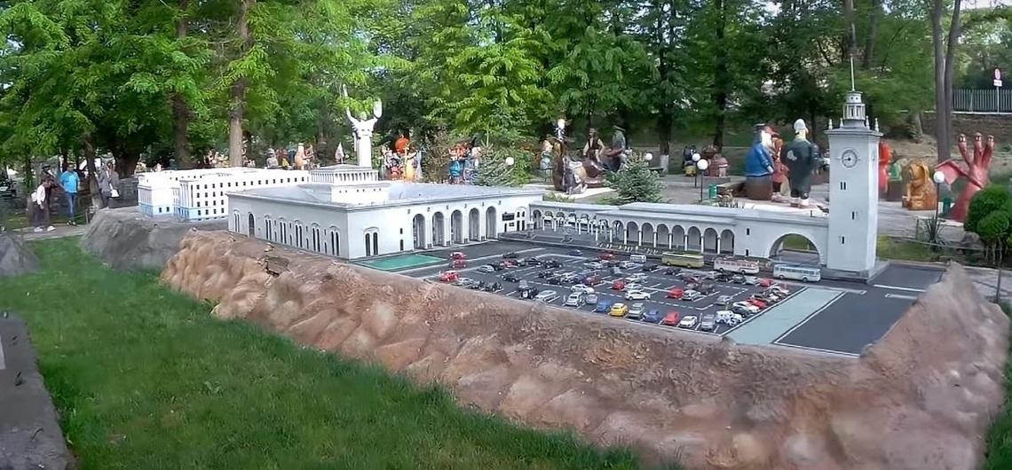 Парк музей восковых фигур в Бахчисарае