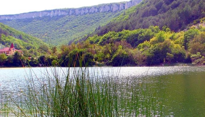 Девичье озеро в Крыму