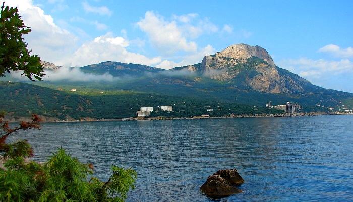 Природа бухты Ласпи Крым