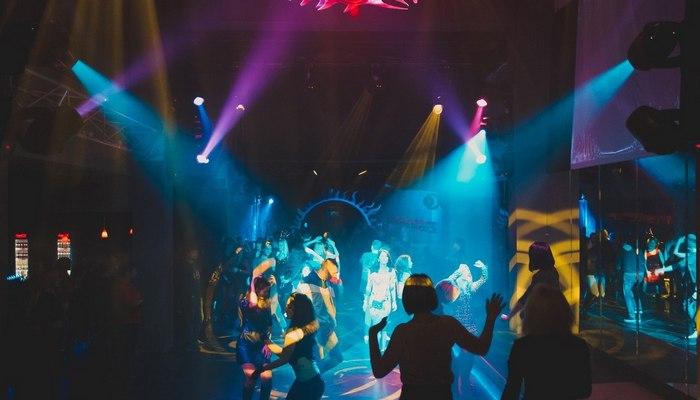 Ночной клуб Сальвадор Дали