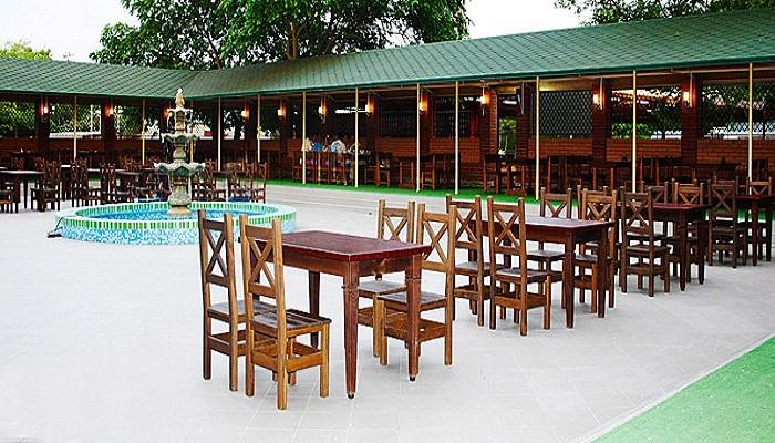 Территория кафе Корейский дворик Евпатория