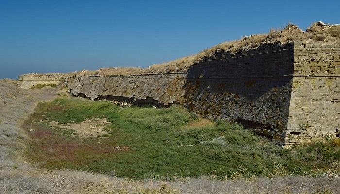 Фото Крепость на Арабатской стрелке в Крыму