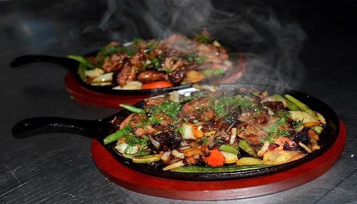 Мясная сковородка таверна Ладья Феодосия