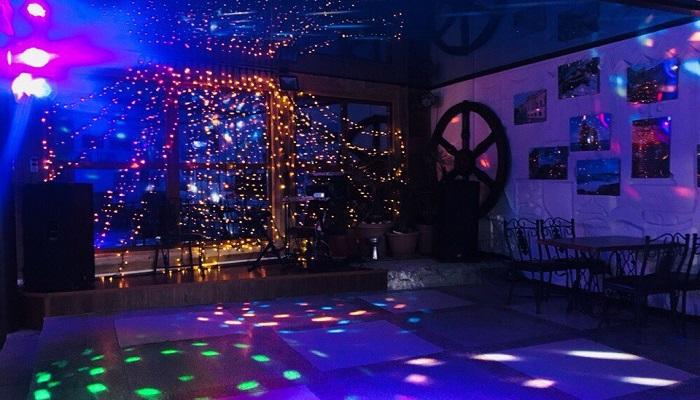 Танцпол таверна Ладья Феодосия