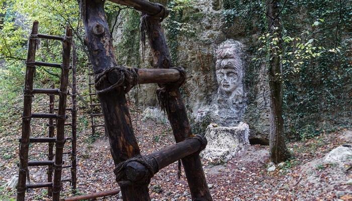 Лестницы горы Крокодил в Крыму