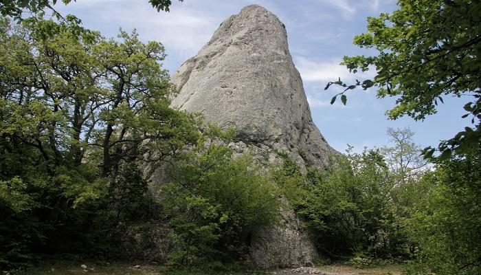 Скалы Тышлар близ Севастополя