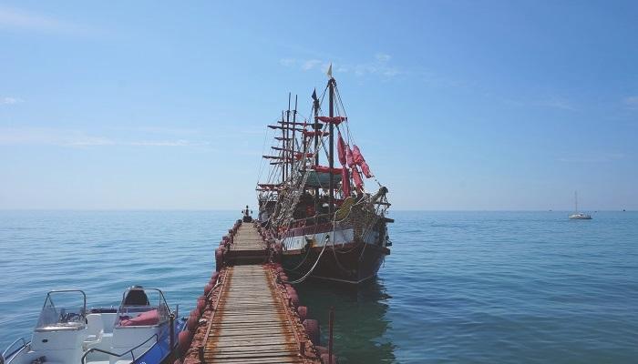 Пляж Приморье Коктебель экскурсии на корабле