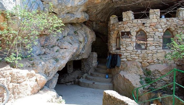 Фото Вход в пещеру Кизил-Коба