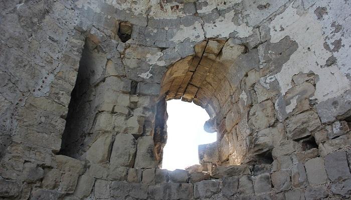Фото Башенное окно крепости