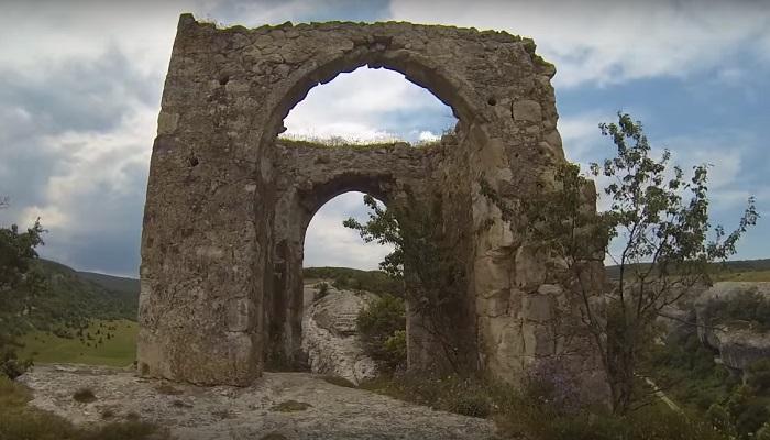 Фото Замок-крепость в Бахчисарайском районе Крыма
