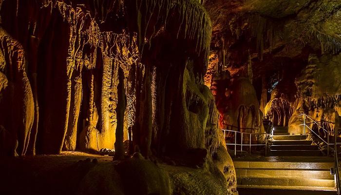 Фото Самая посещаемая пещера Крыма