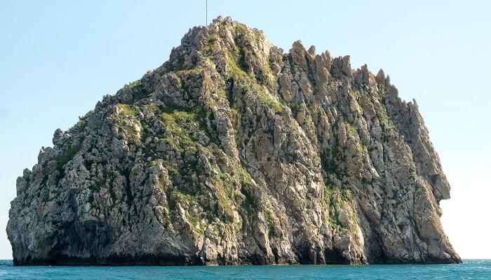 Большой остров Адалары
