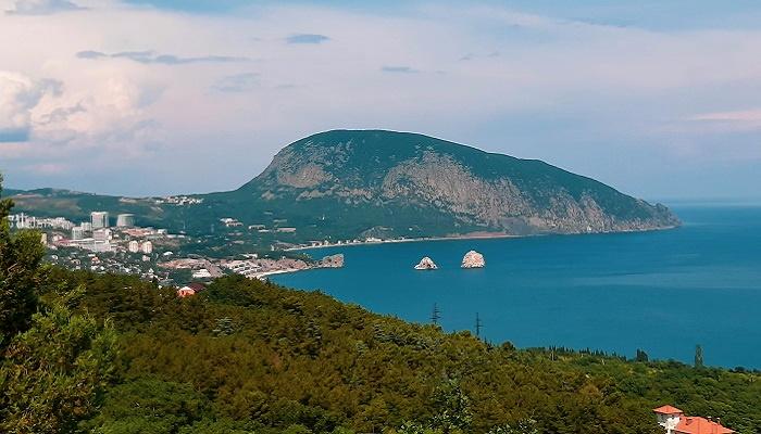 Острова Адалары близ Гурзуфа