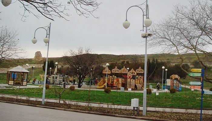 Детская площадка в парке Ахматовой