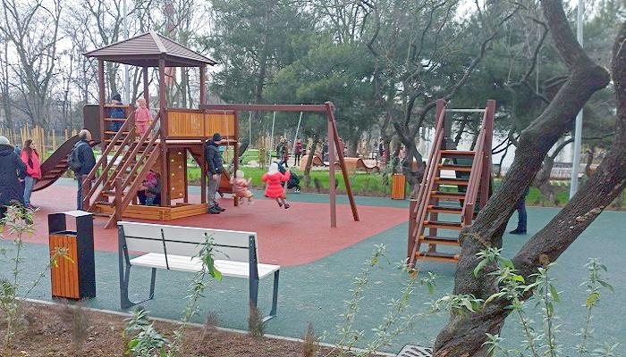 Детская площадка сквер 60-летия СССР Севастополь
