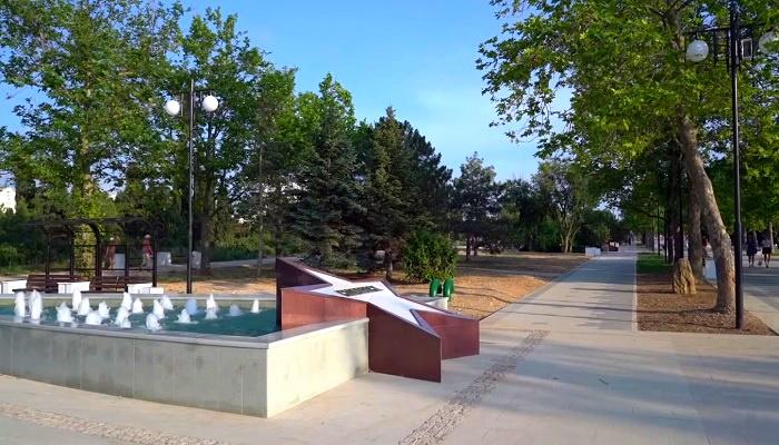 Главная аллея парка Победы в Севастополе