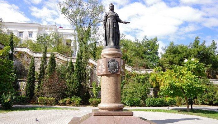Памятник Екатерине второй Севастополь
