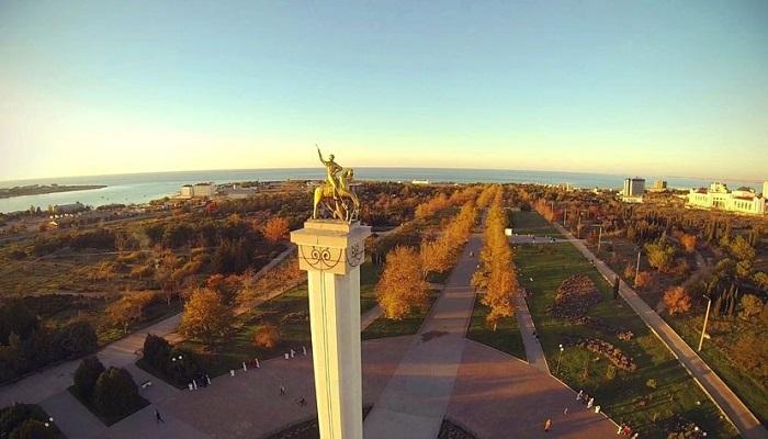 Фото Георгий Победоносец в парке Победы Севастополя