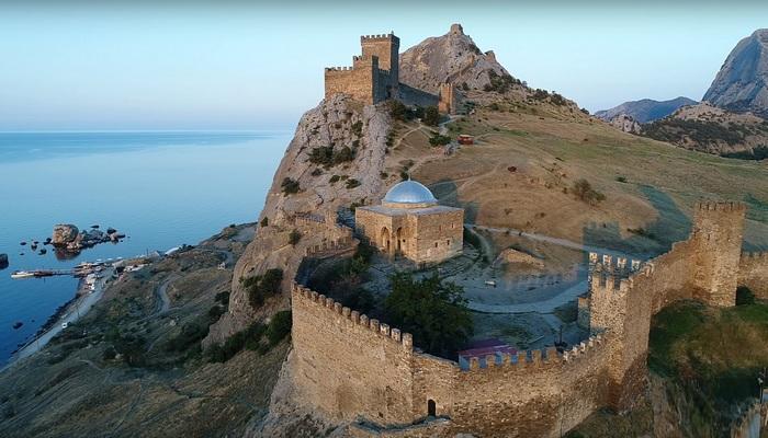 Фото Генуэзская крепость