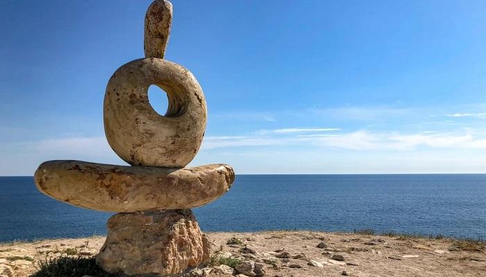 Памятник Мыслителю мыс Тарханкут
