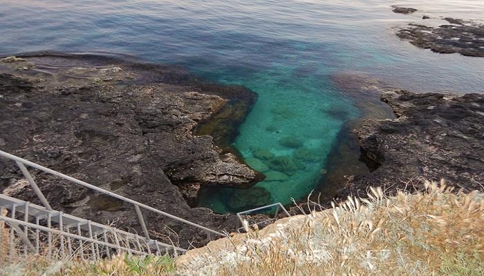 Спуск к Офицерскому пляжу на Тарханкуте