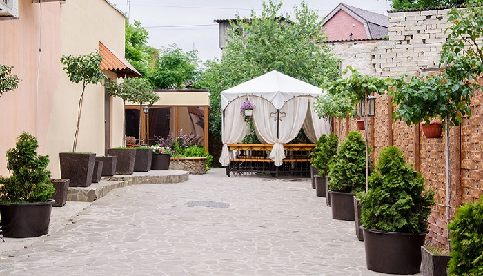 Внутренний двор кафе Блинная Керчь