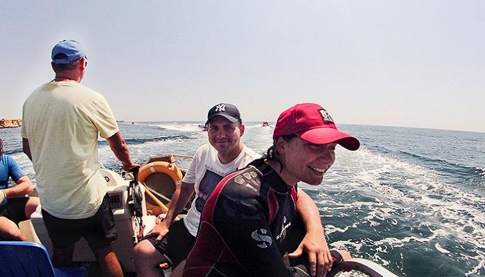 Выход в море на боте для дайвинга
