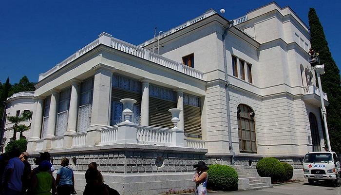 Экскурсия дворец Суук-Су в Гурзуфе