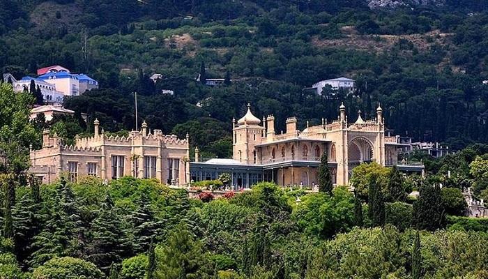 Фото Воронцовский дворец в Алупке