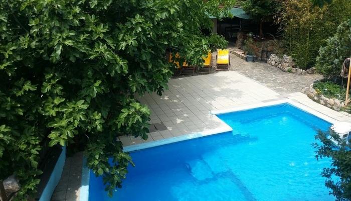 Жилье в Кореизе с бассейном