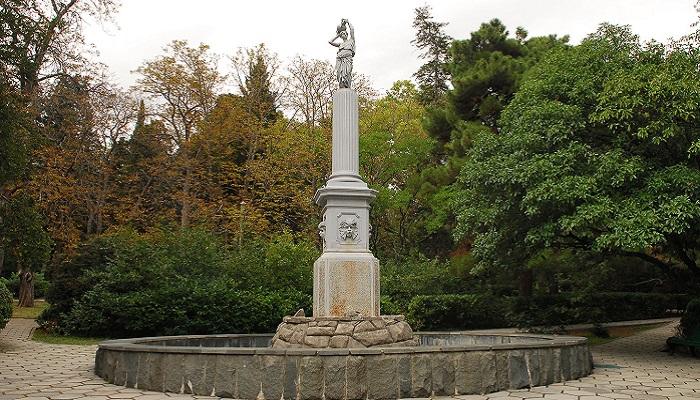 фото Гурзуфский парк фонтан Рахиль