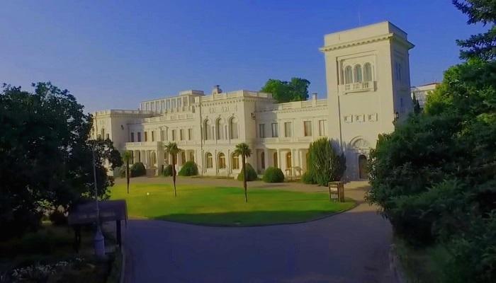 фото Ливадийский дворец в Крыму