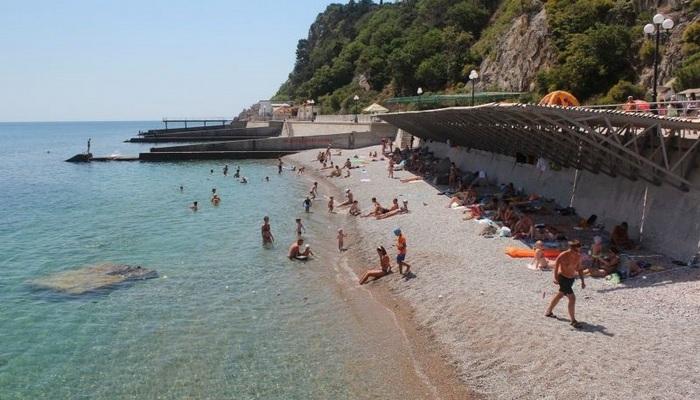 Пляж санатория Днепр в Гаспре