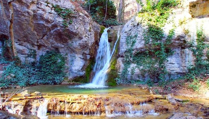 Водопад купель Дианы в Крыму