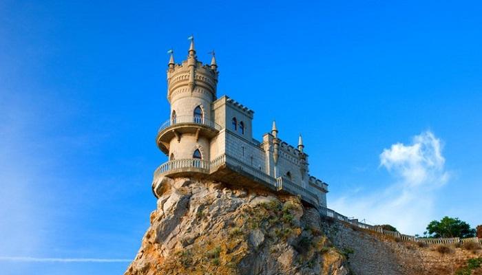 Замок Ласточкино гнездо