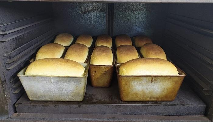 Горячий хлеб в Щебетовке