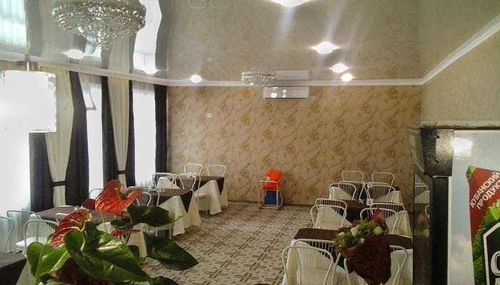 Зал в кафе для корпоративов в Коктебеле