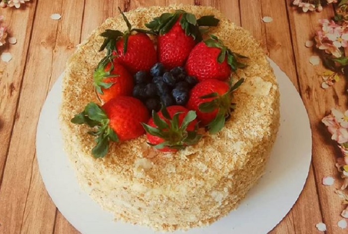 Фруктовый торт в Симферополе на заказ
