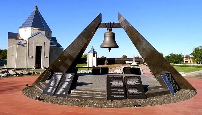 Поминальный колокол мемориального комплекса концлагеря Красный в Симферополе