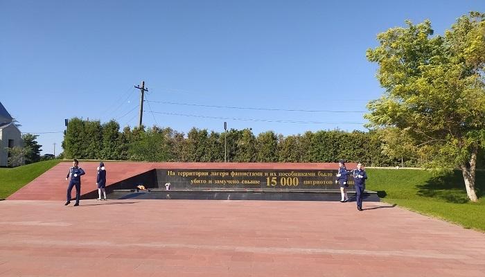 Вечный огонь мемориального комплекса концлагеря Красный в Симферополе